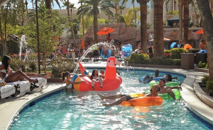 Take a Dip in the 7 Most Gorgeous and Best Pools in Las Vegas This Summer!