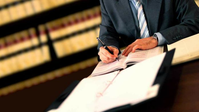 Understanding The Responsibilities Of Corporate Lawyers In India