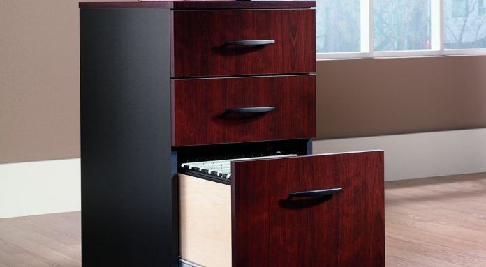 Pros and Cons of Filing Cabinets