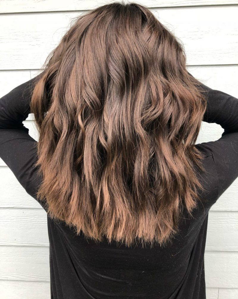 Choppy layers hairdo