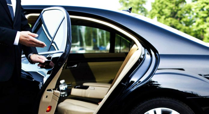 5 Benefits of Renting a Chauffeured Car in Dubai