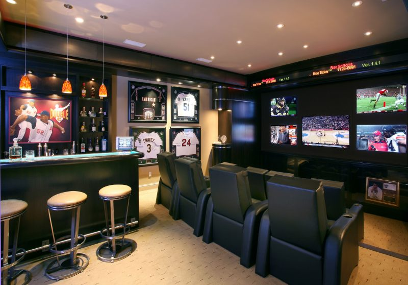A Home MovieRoom That Doubles as a Theater