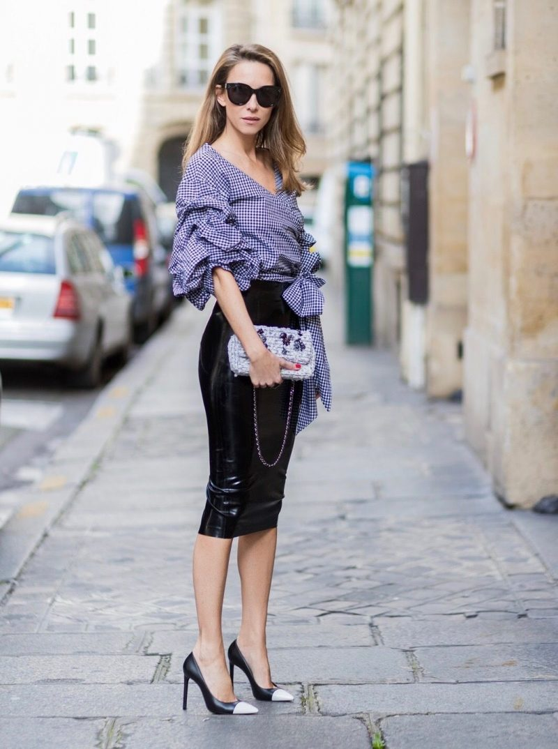 Jacket with the sleek side slits skirt