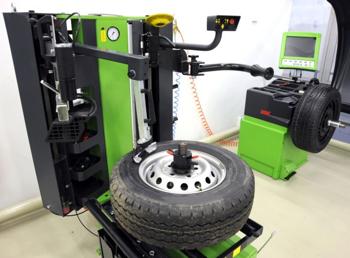 Truck Wheel Balancing Machines