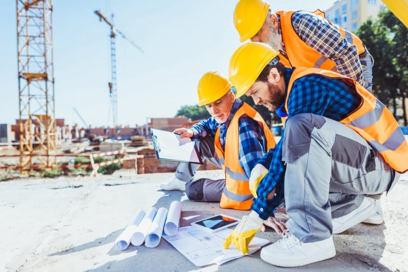 What is A Commercial Builder and How Do You Become One?