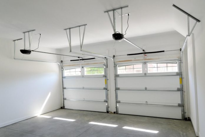 5 Signs It's Time to Invest in a New Garage Door