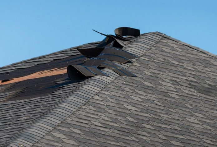 How Much Does It Normally Cost to Repair a Roof