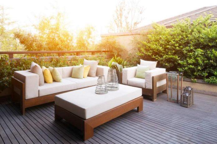 6 Decorative Enhancements to Improve Your Backyard Design