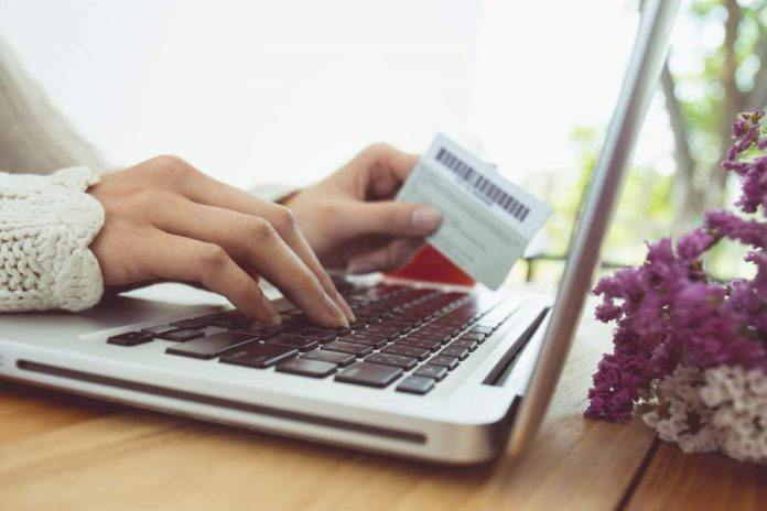 5 Secrets to Save Money While Shopping Online