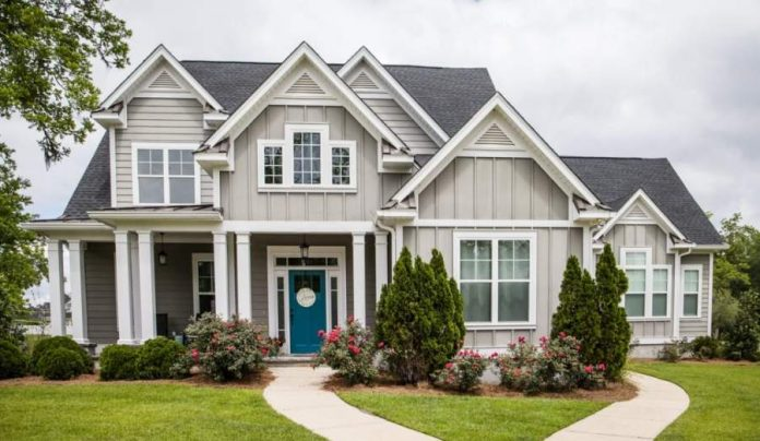 Refresh Your Home Exterior With These 6 Upgrades