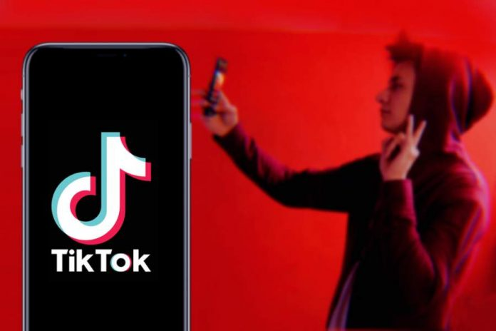 TikTok – The Pros and Cons of the Social Media App on Youths