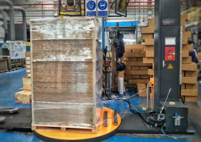 4 Top Questions About Automatic Pallet Wrapping Machines