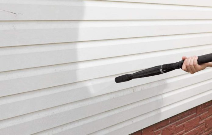 5 Helpful Home Exterior Cleaning Tips