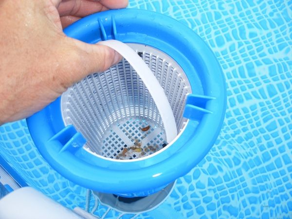 How a Pool Skimmer Works