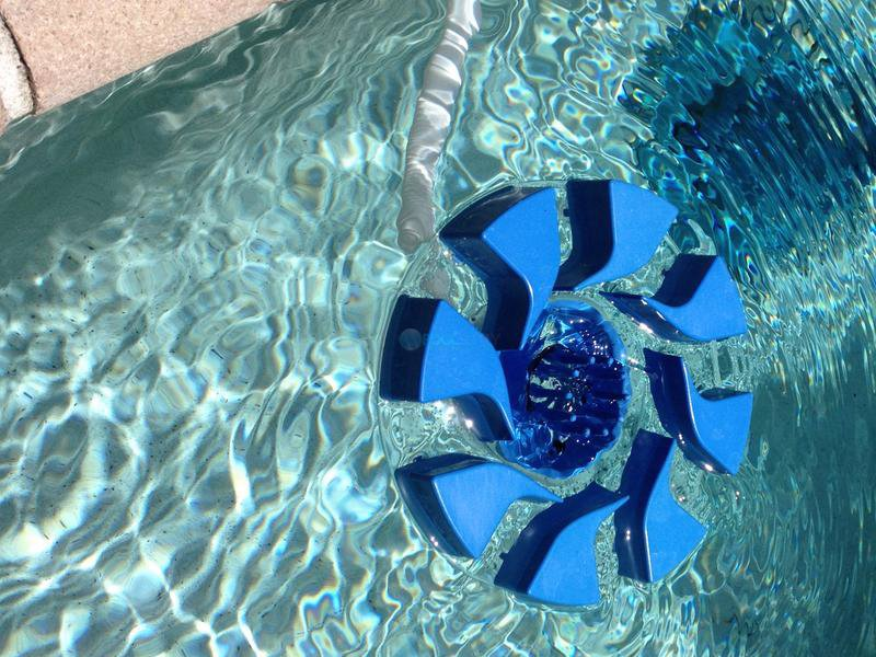 Pool Skimmer Maintenance
