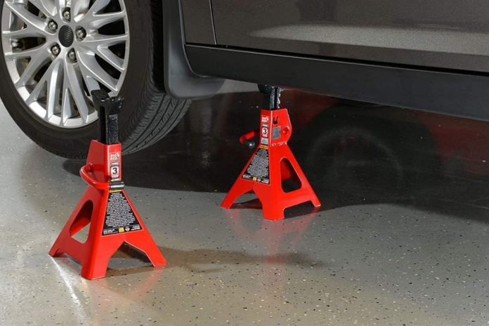 How to Use a Car Jack Safely