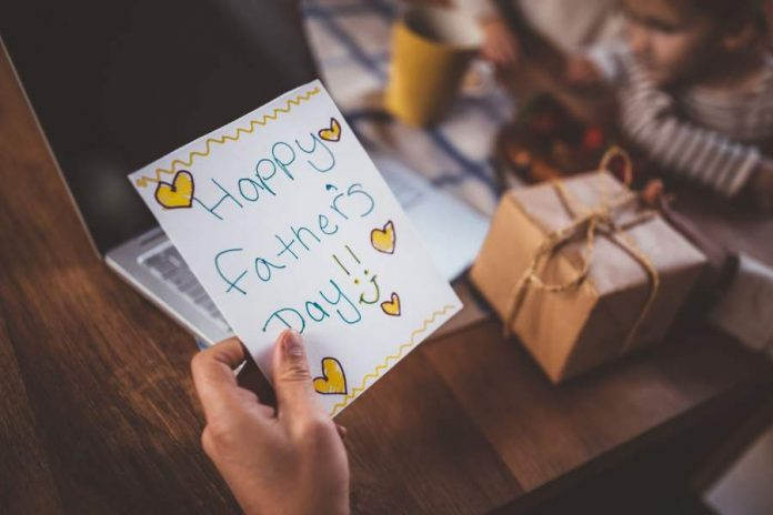 Surprise Your Dad With Amazing Fathers Day Gifts Father's Day 2021