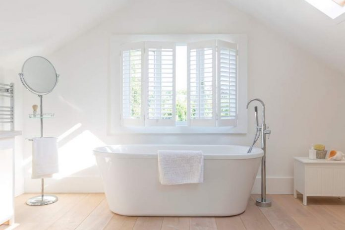3 Reasons to Consider Adding Plantation Shutters to a Bathroom
